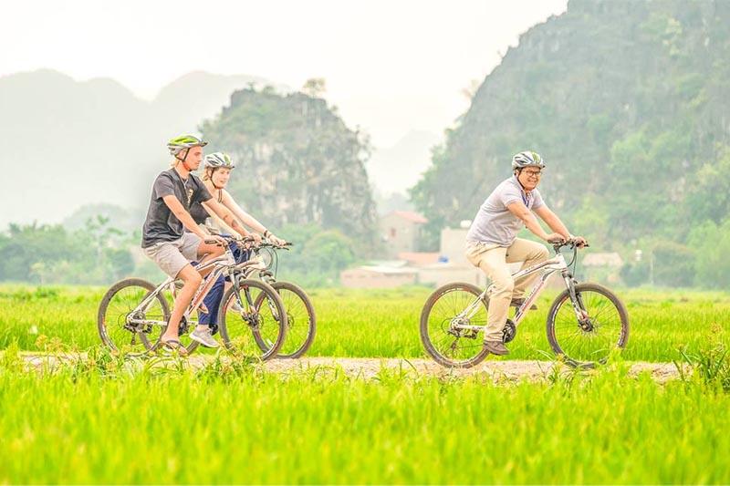 Đạp xe đi du lịch Ninh Bình