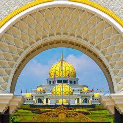 Tour du lịch Singapore Malaysia Indonesia 5 ngày 4 đêm - Cung điện Hoàng Gia