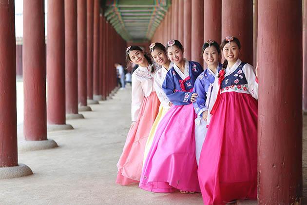 Trang phục truyền thống - quốc phục Hanbok của người Hàn Quốc